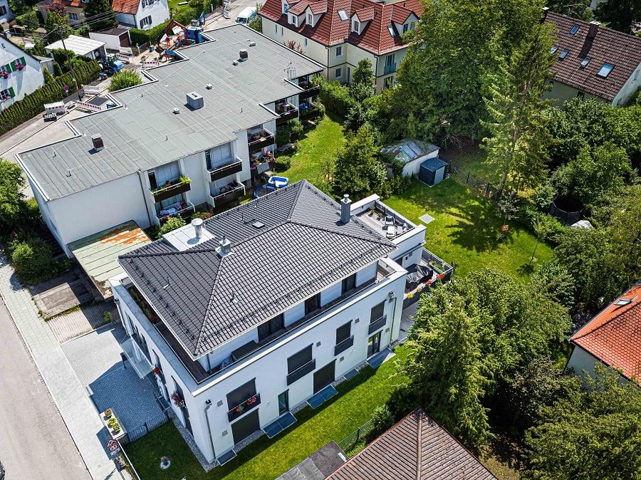 Luftaufname von einem Haus für Immobilienmakler Gilching